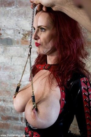 Look at the hot outfit this slave wiggle - XXX Dessert - Picture 8