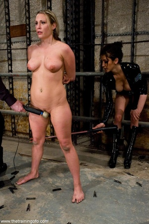 Chubby honey has a good time with a man  - XXX Dessert - Picture 10