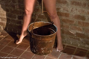 Slave girl collects cum in her hands aft - XXX Dessert - Picture 8