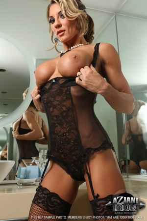 Elegant blonde lady in sexy lingerie loo - XXX Dessert - Picture 7