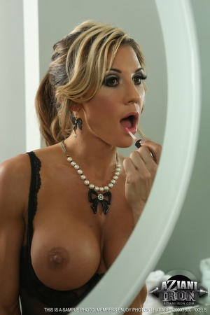 Elegant blonde lady in sexy lingerie loo - XXX Dessert - Picture 12