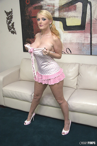 blonde bombshell indulging body