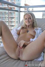 beautiful blond cums hard