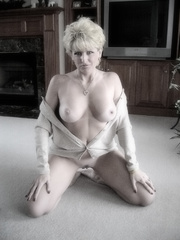 older blonde bitch worships