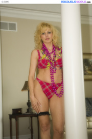 older blonde mardigras beads