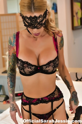 luscious blonde black mask