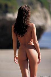 delicious bronzed brunette stunner