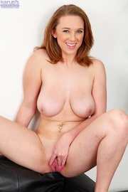 hot redhead shows her