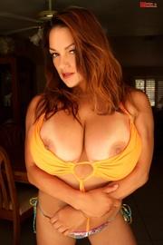 hot latina bares her