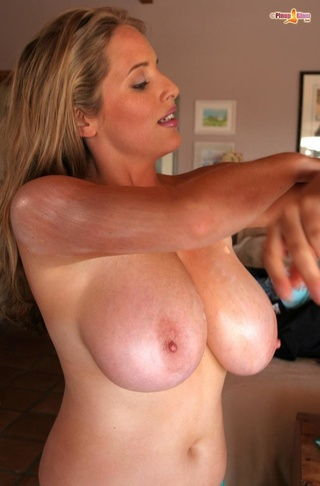 lovely cougar big tits