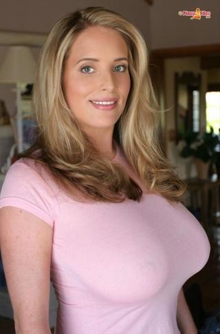 yummy slut wears bra