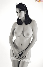 this naked beauty acts