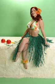 seductress green hula skirt