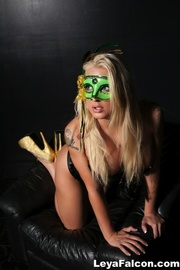 masked chick sexy green
