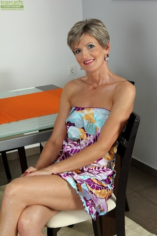 horny mature granny spreads
