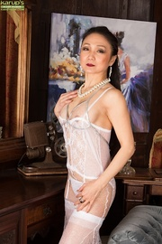 lonely housewife sexy lingerie