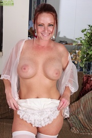 enticing mature housewife sexy