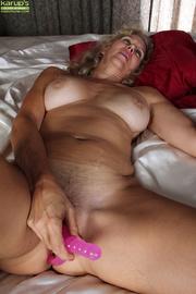 blonde curvy milf pleasures