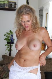 curvy blonde housewife white