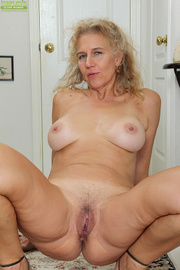 curvy blonde mature babe