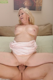 sweet blonde mama gets