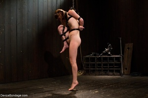 Pink-lipped teen makes a statement witho - XXX Dessert - Picture 4