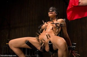 Clothespins placed on her body sting goi - XXX Dessert - Picture 3