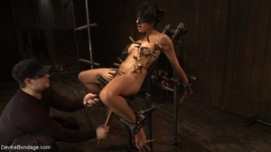 Clothespins placed on her body sting goi - XXX Dessert - Picture 11