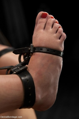 All-natural woman is bound in the most uncomfortable position as she takes the mistreatment well. - XXXonXXX - Pic 8