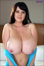 brunette curvy model blue