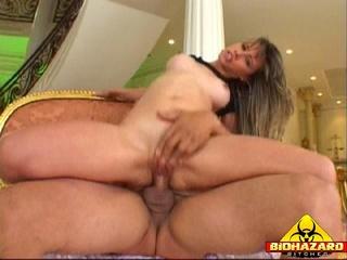 getnleman holds mistresses head