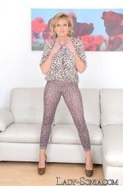 blonde trashy tramp leopard