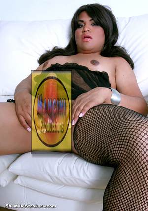 Raven haired trans girl in fishnets love - XXX Dessert - Picture 3