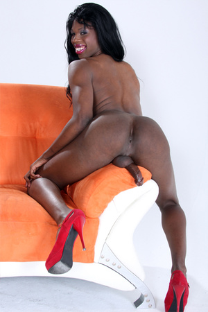 Petite shemale showing her fine black ma - XXX Dessert - Picture 3