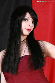 raven haired tranny showing