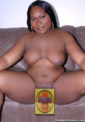 Chunky ebony trappy queen show her big t - XXX Dessert - Picture 4