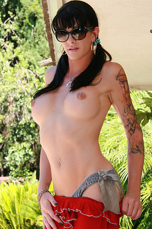 Tattooed tranny shows her impressive but - XXX Dessert - Picture 1