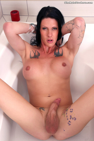 Tattooed tranny shows her impressive but - XXX Dessert - Picture 3