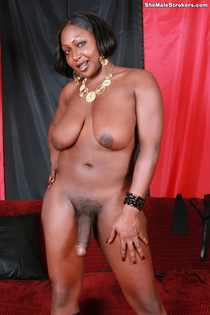 Curvy ebony t-girl showing her big meat  - XXX Dessert - Picture 2