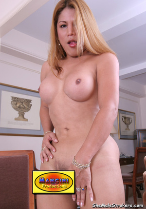 Long haired blonde tranny showing her bi - XXX Dessert - Picture 4
