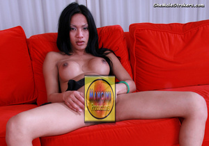 Dark haired tranny showing her dick on t - XXX Dessert - Picture 3
