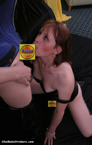 These two trans sluts wants some hot ora - XXX Dessert - Picture 3