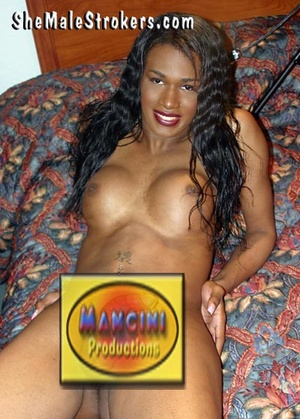 Impressive ebony trans slut with a huge  - XXX Dessert - Picture 4