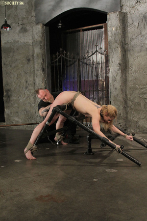 Curvy babe racked and tied gets whipped  - XXX Dessert - Picture 5