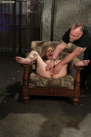 Curvy babe racked and tied gets whipped  - XXX Dessert - Picture 6