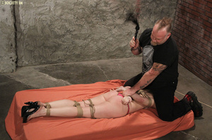 Curvy babe racked and tied gets whipped  - XXX Dessert - Picture 10