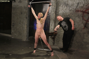 Curvy babe racked and tied gets whipped  - XXX Dessert - Picture 12