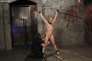 Curvy babe racked and tied gets whipped  - XXX Dessert - Picture 16