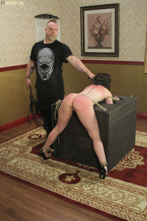 Hark hair slut tied, upturned and hung g - XXX Dessert - Picture 7