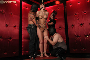 Tall curvy blonde gets roped, tortured a - XXX Dessert - Picture 9